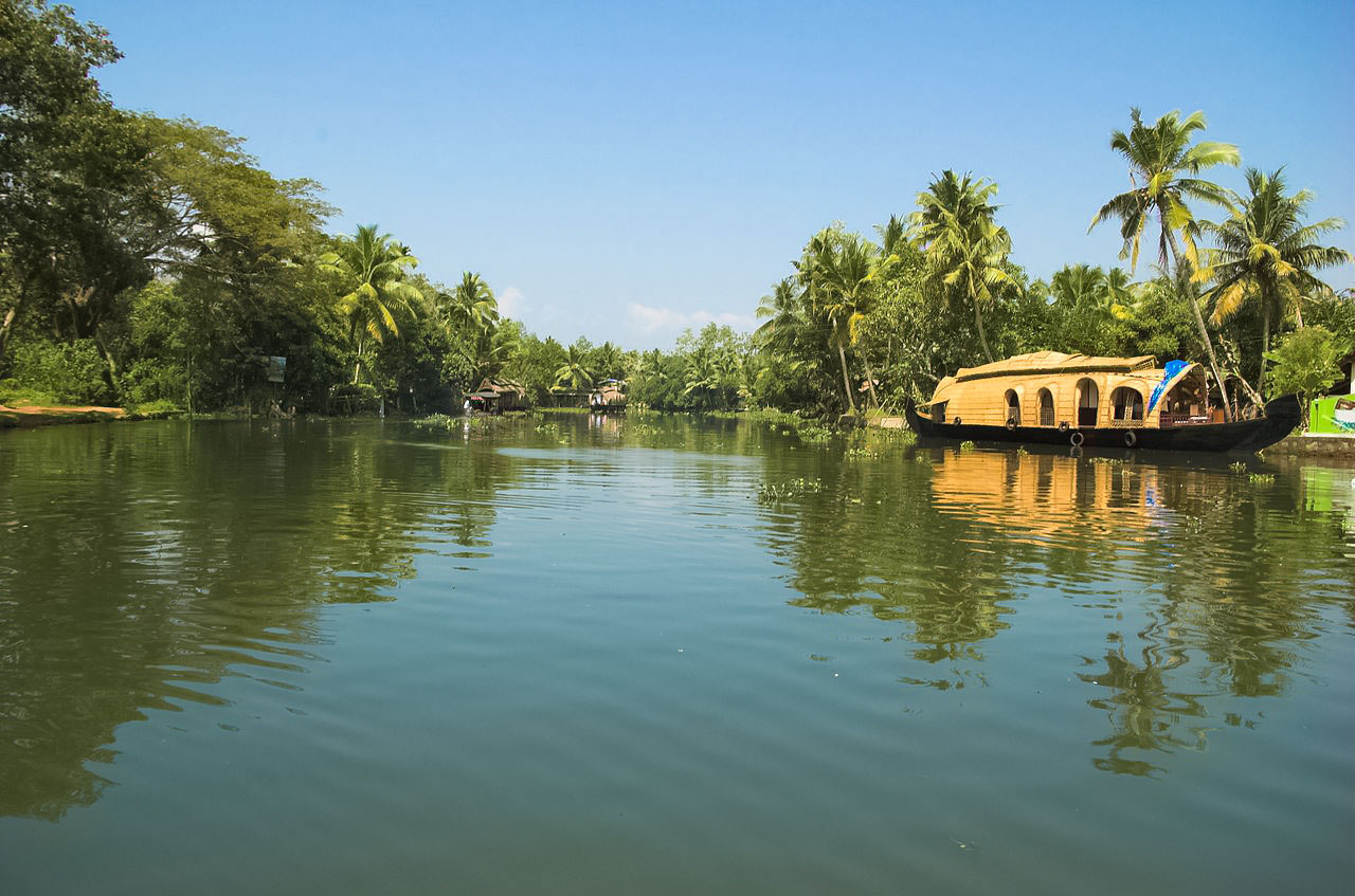 Cochin Munnar Thekkady Kumarakom Tour (June 06 Days; # 175)